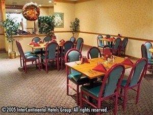 фото Holiday Inn Hotel & Suites Craig 597157835