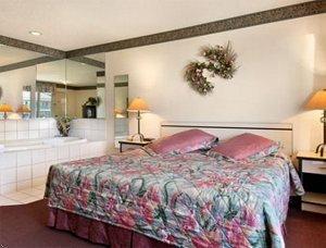 фото TravelStar Inn & Suites 597179521