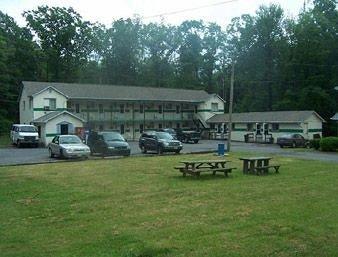 фото Knights Inn Lake Harmony/White Haven 597181416