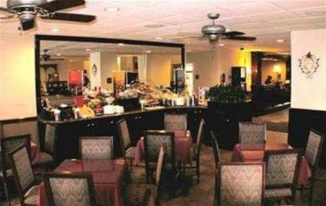 фото Hampton Inn & Suites Charlottesville at the University 597190160