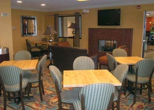 фото Comfort Inn Donaldsonville 597197924