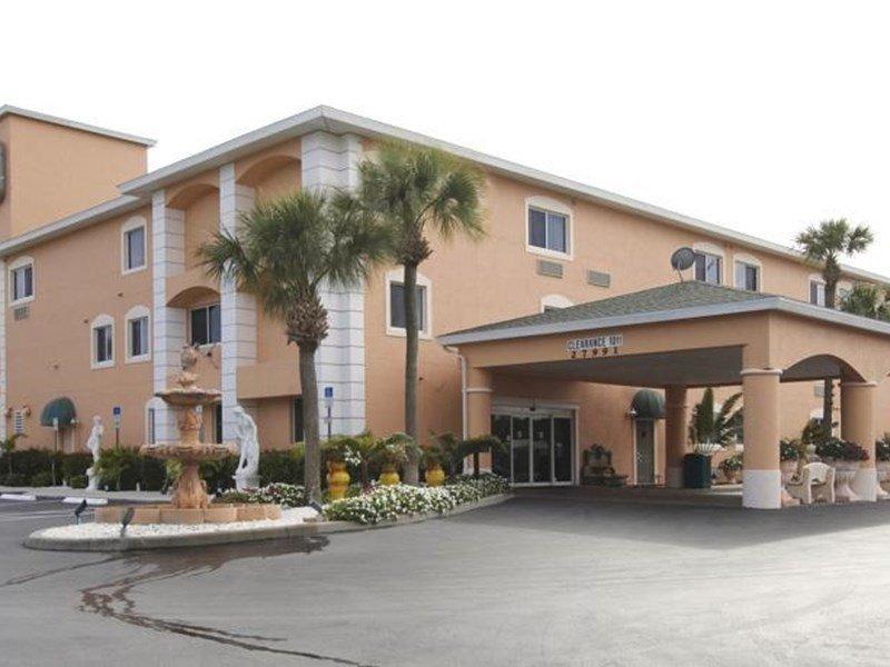 фото Best Western Bonita Springs Hotel & Suites 597208155