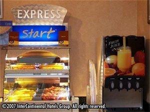 фото Holiday Inn Express Altoona 597236640