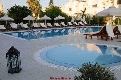 фото Frixos Suites Hotel Apartments 597250523