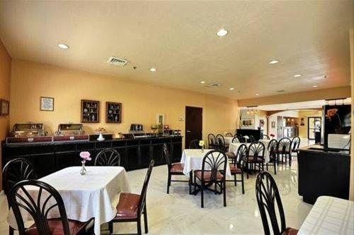 фото Comfort Suites Near the Woodlands 597286127