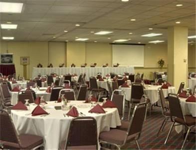 фото Boarders Inn & Suites Grand Island 597308415