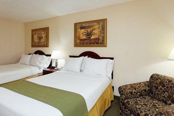 фото Holiday Inn Express Hotel & Suites Huntsville University Drive 59789845