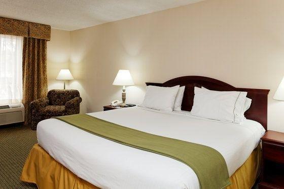 фото Holiday Inn Express Hotel & Suites Huntsville University Drive 59789850