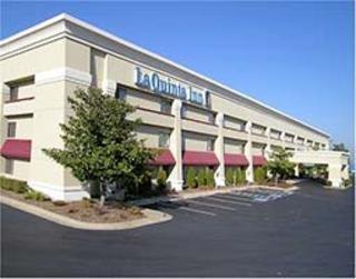 фото La Quinta Inn & Suites Harrisburg Airport Hershey 598299458