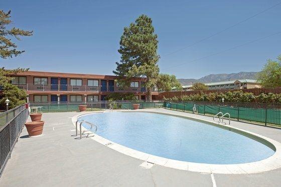 фото Americas Best Value Inn & Suites-American Motor 601233028