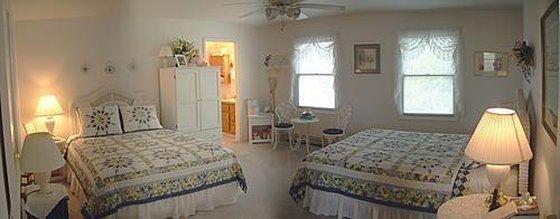 фото Fox Hollow Bed & Breakfast 601324743