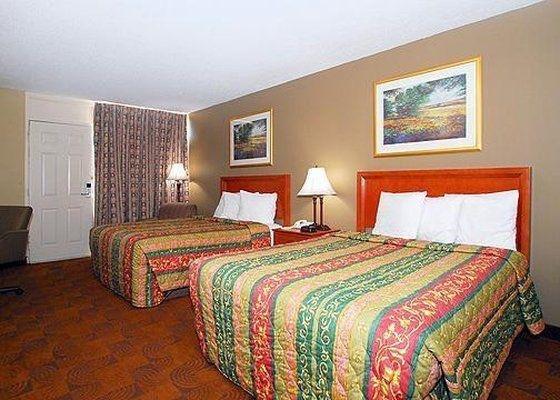 фото Econo Lodge Inn & Suites 601593965