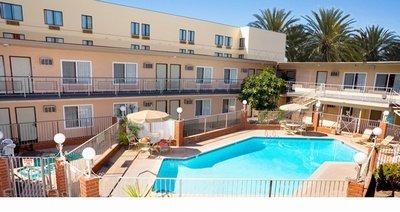 фото Americas Best Value Inn & Suites Anaheim 603164624