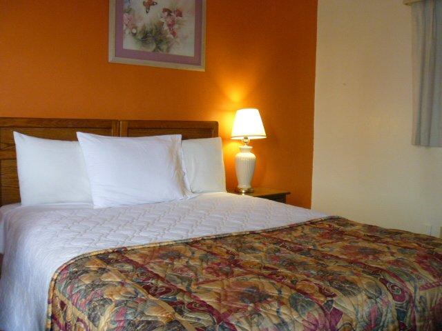 фото Sun Harbor Motel 603185882