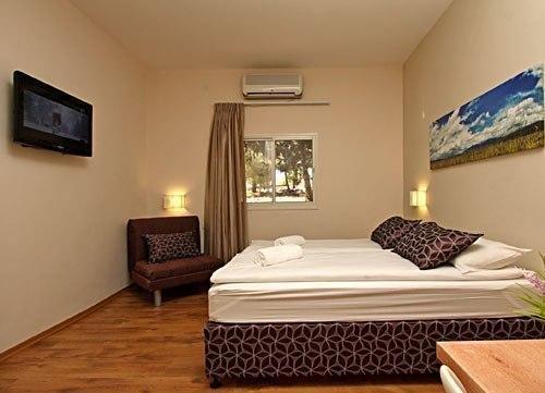 фото Kibbutz Malkiya Travel Hotel 603305132