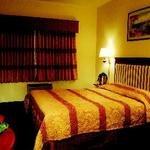 фото Tudor Hotel And Suites 605472699