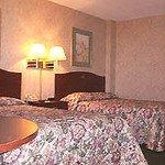 фото University Hotel & Suites 605661337
