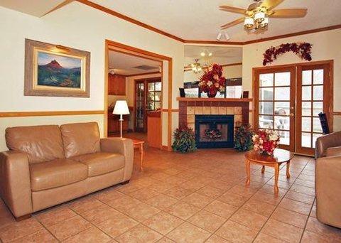 фото Comfort Inn at Ponderosa Pines 607242356