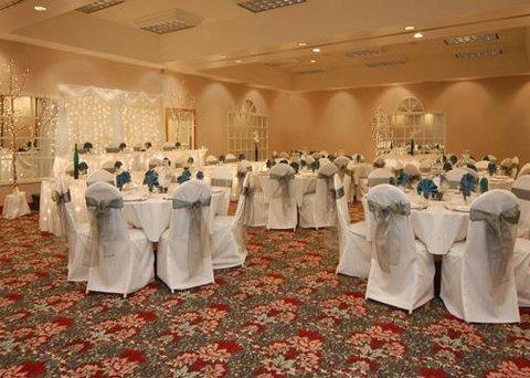 фото Comfort Inn Plainwell 607330588