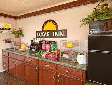 фото Days Inn Opelika 607440297