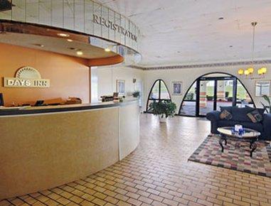 фото Days Inn Mount Pleasant 607591402