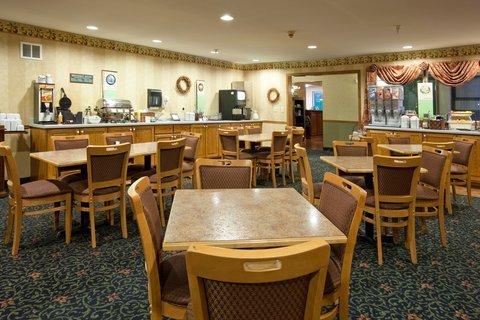 фото Country Inn & Suites - Cedar Falls 607618744