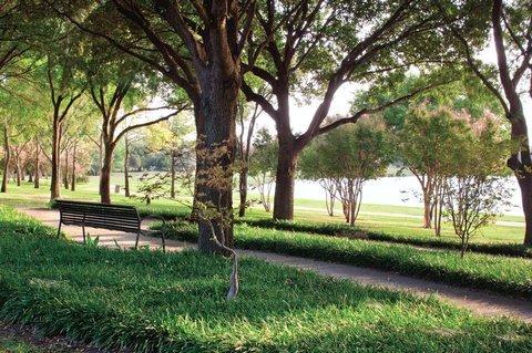 фото Doubletree Club Dallas-Farmers Branch 607629266