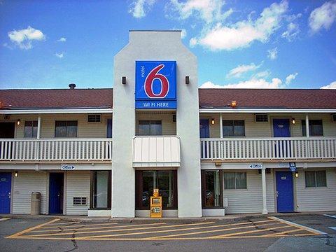фото Motel 6 Brattleboro 607636100