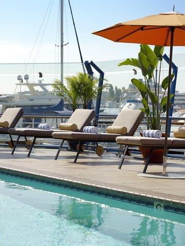 фото Waterfront Hotel a Joie De Vivre Hotel 609139449