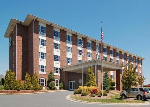 фото Comfort Suites Pineville 609193152