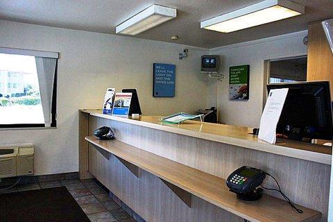 фото Motel 6 Monterey 609222379