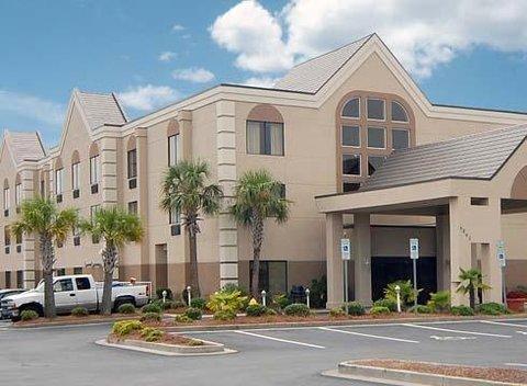 фото Comfort Suites Southport 609230260