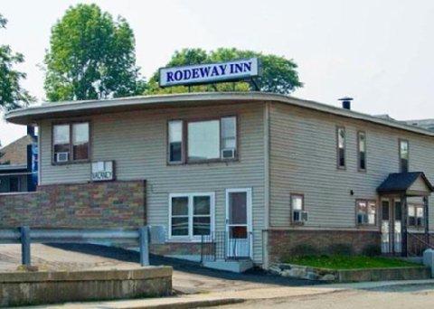 фото Rodeway Inn Claremont 609230709