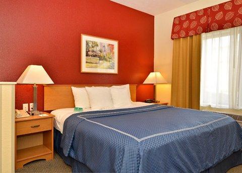фото Comfort Suites Palm Desert 609298218