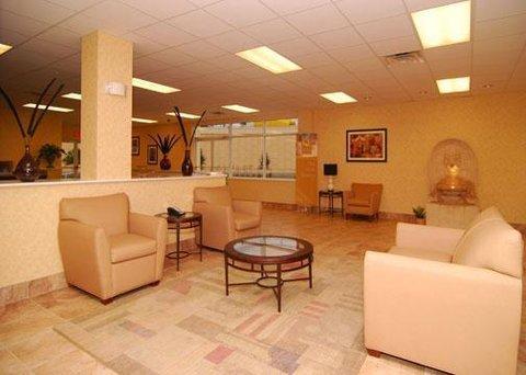 фото Quality Inn & Suites Near Fairgrounds Ybor City 609335565
