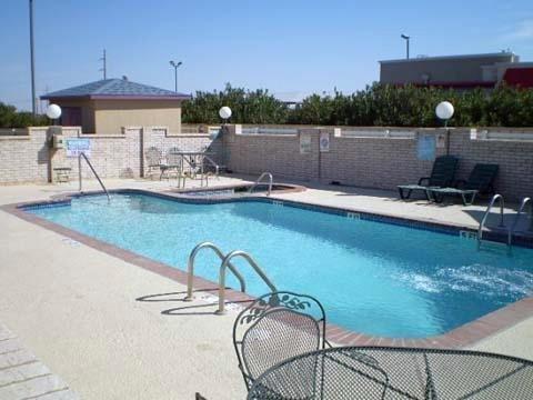 фото Days Inn Fort Stockton 609385892