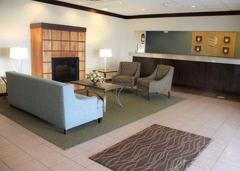 фото Comfort Inn & Suites Airport 609387654