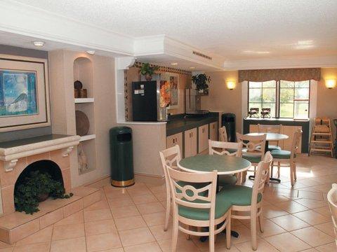 фото La Quinta Inn Merrillville 609401534