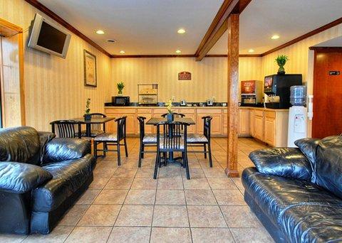 фото Econo Lodge Glens Falls 609410282