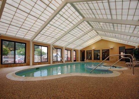 фото Comfort Inn & Suites West Springfield 609416453