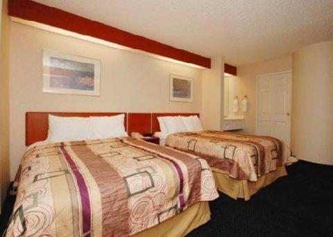 фото Sleep Inn And Suites 609452960