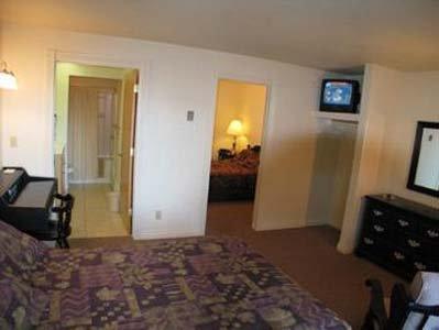 фото Continental Inn 609479589