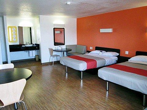 фото Motel 6 Uvalde 609498699