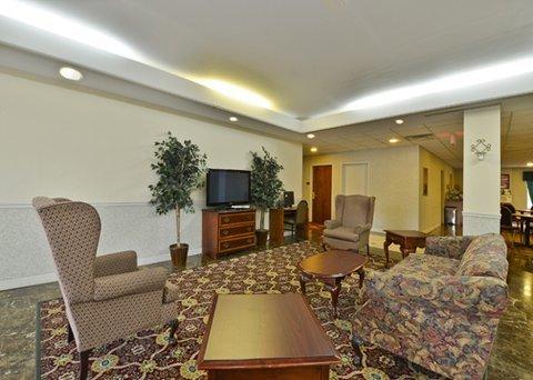 фото Econo Lodge Inn & Suites Marietta 609521697