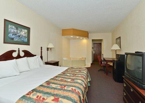 фото Econo Lodge Inn & Suites Marietta 609521715