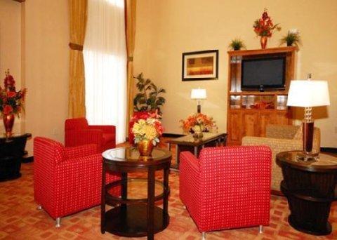 фото Comfort Suites Clayton 609539688
