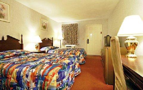 фото Econo Lodge Sturbridge 609552695