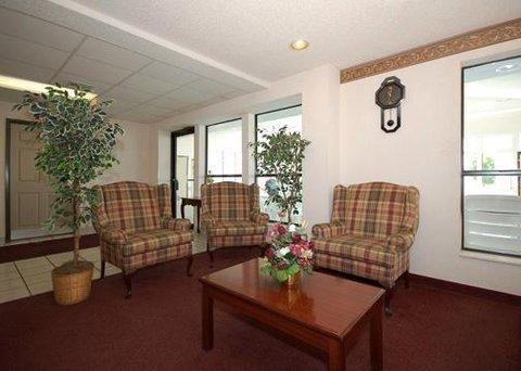 фото Econo Lodge Inn & Suites 609570442
