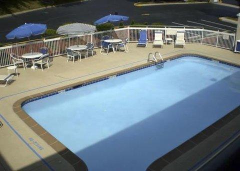 фото Quality Inn New Cumberland - Harrisburg South 609628651