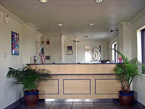 фото Motel 6 Dallas DeSoto Lancaster 609641470